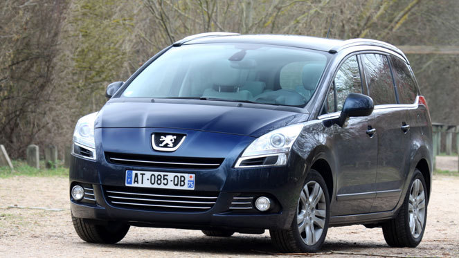 Peugeot 5008 vs Opel Zafira Tourer : question de standing ?