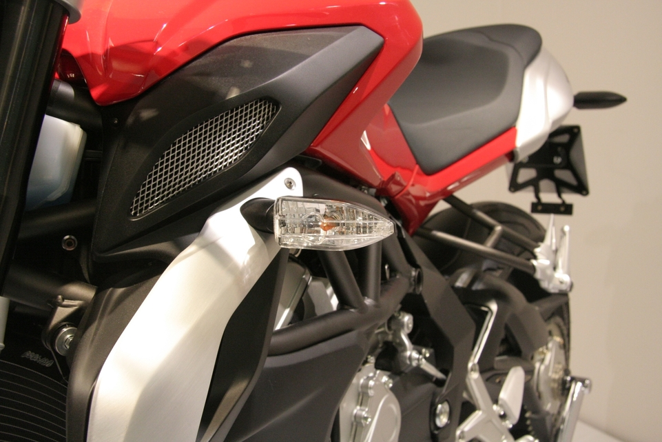 En direct du salon de Milan 2011 : Mv Agusta 675