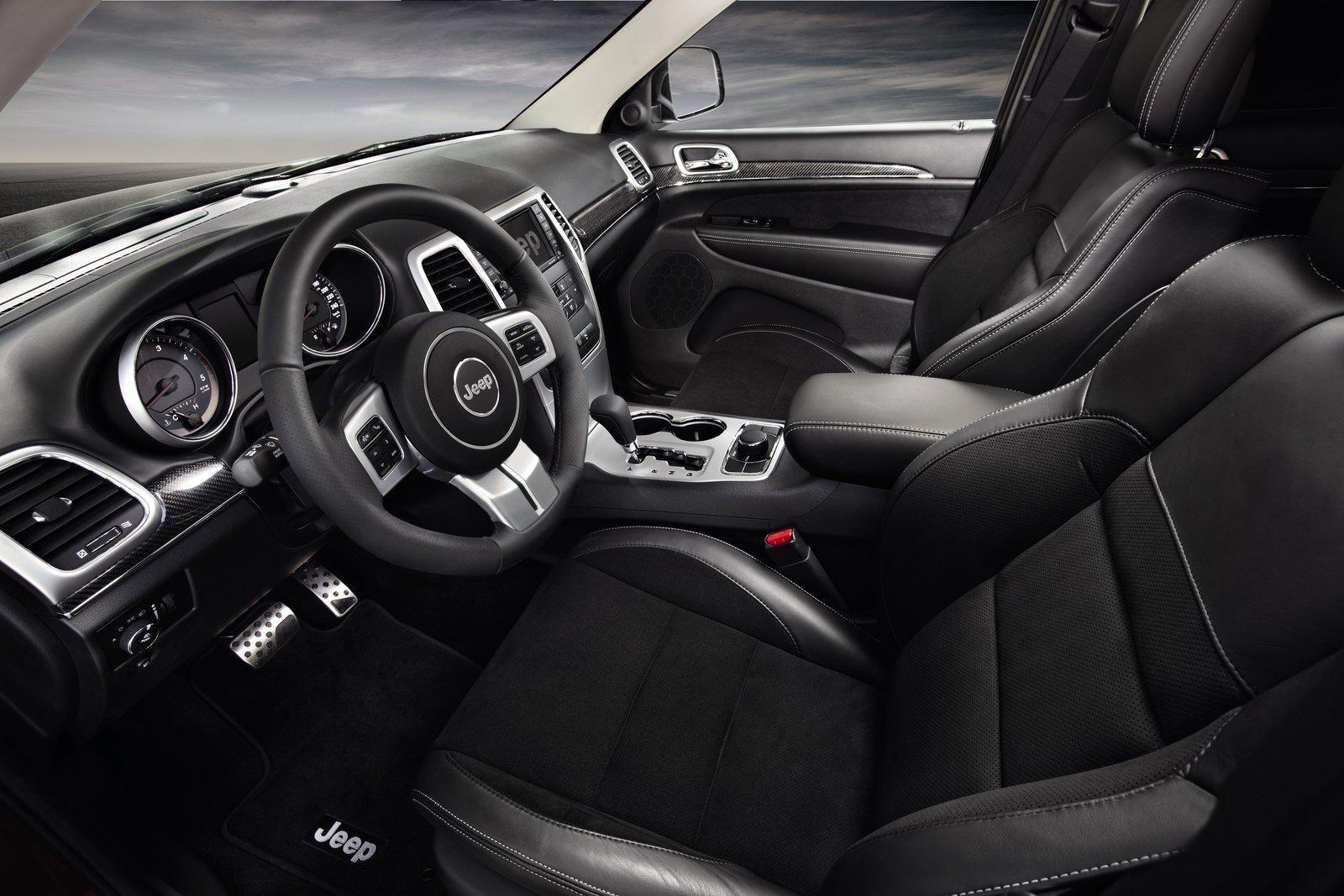 http://images.caradisiac.com/images/6/5/0/2/76502/S0-Un-Jeep-Grand-Cherokee-Sports-Concept-au-Salon-de-Geneve-254828.jpg