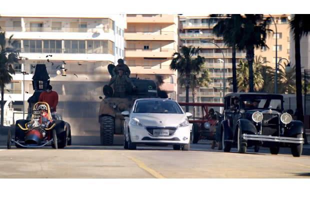 Pub Peugeot 208 : au Brésil, on montre des fous du volant ...