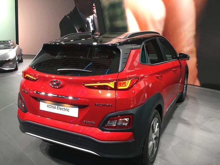 Hyundai Kona électrique : leader - En direct du salon de Genève 2018