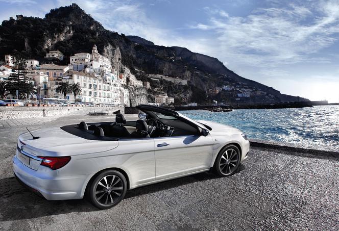 Genève 2012 : présentation de la Lancia Flavia Cabrio