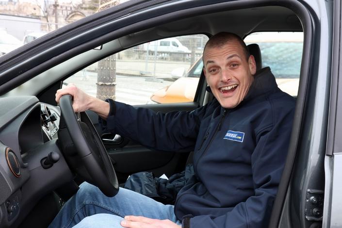 Essais longue durée - Les Dacia Logan, Logan MCV et Sandero testées entre Paris et Bucarest (6/7) - 3 vidéos