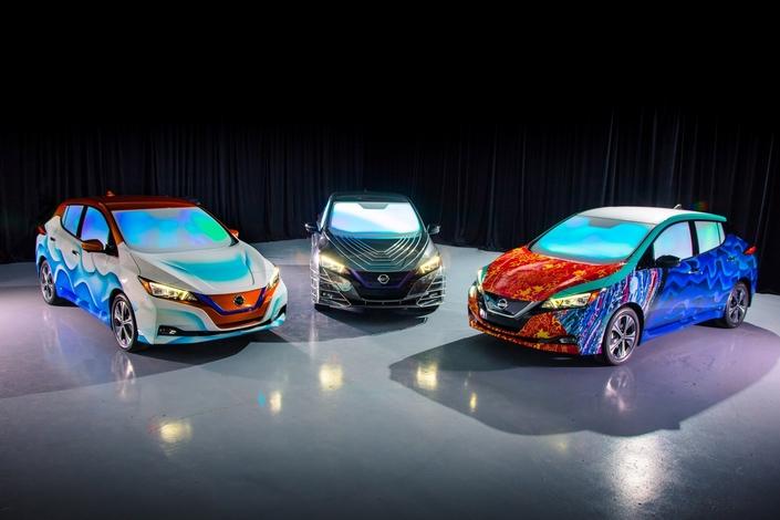 Des Nissan Leaf colorées célébrant le nouveau Disney