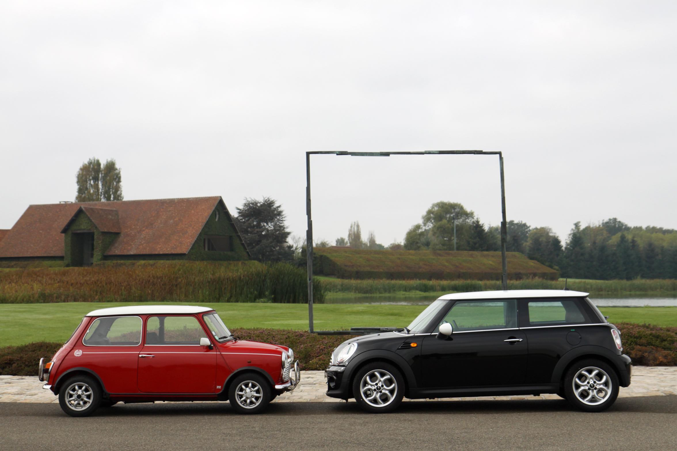 Vid 233 O Mini Cooper 1300 De 1991 Vs Mini Cooper De 2011 Maxi Duel