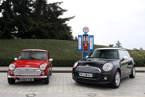 S7-Video-Mini-Cooper-1300-de-1991-vs-Mini-Cooper-de-2011-maxi-duel-254974.jpg