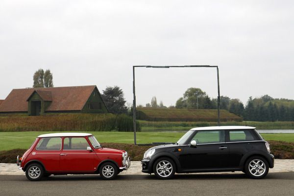 S7-Video-Mini-Cooper-1300-de-1991-vs-Mini-Cooper-de-2011-maxi-duel-255278.jpg