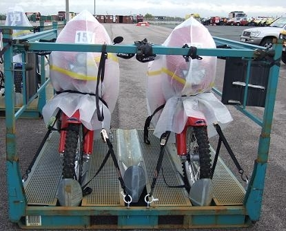 Dakar, embarquement des motos et des quads au Havre