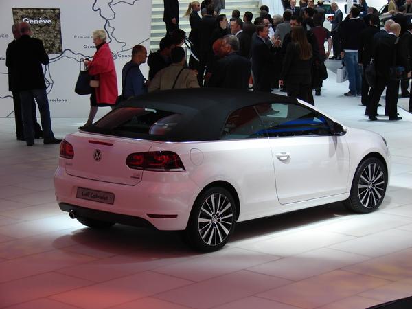 VW Golf 6 Cab S7-En-direct-de-Geneve-La-Volkswagen-Golf-Cabriolet-decapote-plus-vite-que-son-ombre-215193