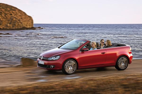 VW Golf 6 Cab S7-En-direct-de-Geneve-La-Volkswagen-Golf-Cabriolet-decapote-plus-vite-que-son-ombre-215209