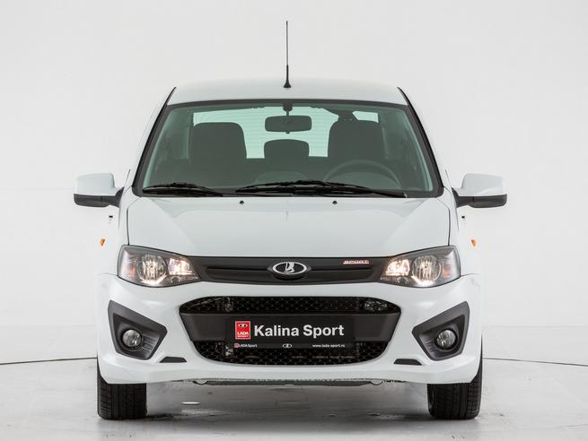 Voici la nouvelle Lada Kalina Sport: la barre des 200 km/h presque franchie (sur circuit)