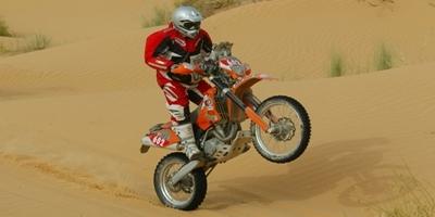 Tunisie 2009: L. Van Rensburg pilote de l'Enduro Cup.