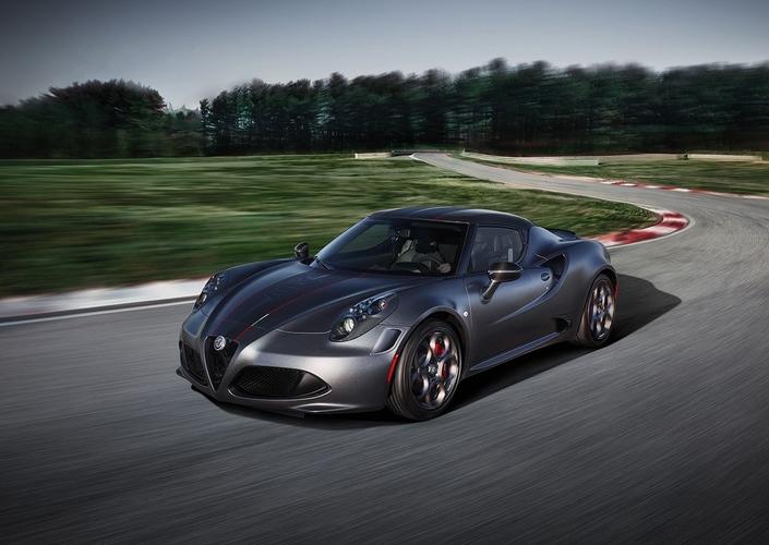 Salon de Genève 2018 - Alfa Romeo 4C: séries spéciales Competizione et Italia