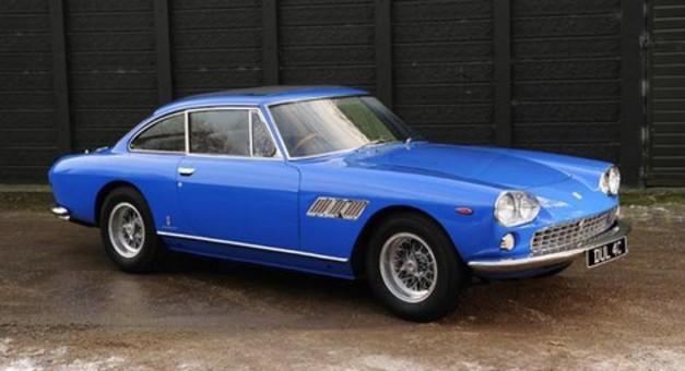 La première voiture de John Lennon aux enchères !