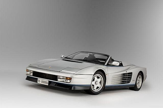 RECORD MONDIAL POUR UNE FERRARI TESTAROSSA VENDUE PLUS D'UN MILLION D 'EUROS. La Testarossa Spyder seul exemplaire au monde, propriétaire de Gianni Agnelli, est estimée à 900 000 euros alors que le prix d'une Testarossa normale est de 200 000 euros. Cette Ferrari a été achetée plus 1,2 million d'euros ! C'est sans doute la Testarossa la plus chère du monde!