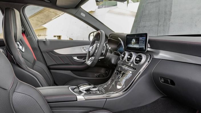 Salon de Genève 2018 : Mercedes dévoile la C43 AMG restylée