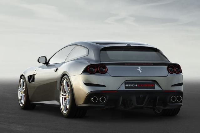 Salon de Genève 2016 - Ferrari GTC4 Lusso : familiale à quatre roues directrices