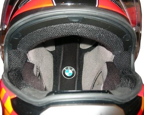 Casque BMW Sport: il met la barre haute...