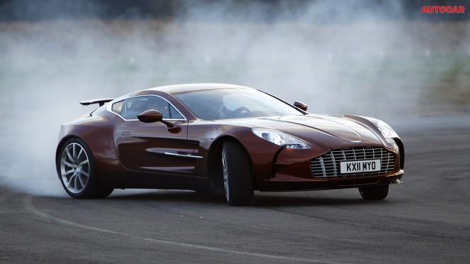 [vidéo] L'Aston Martin One-77 grille du pneu