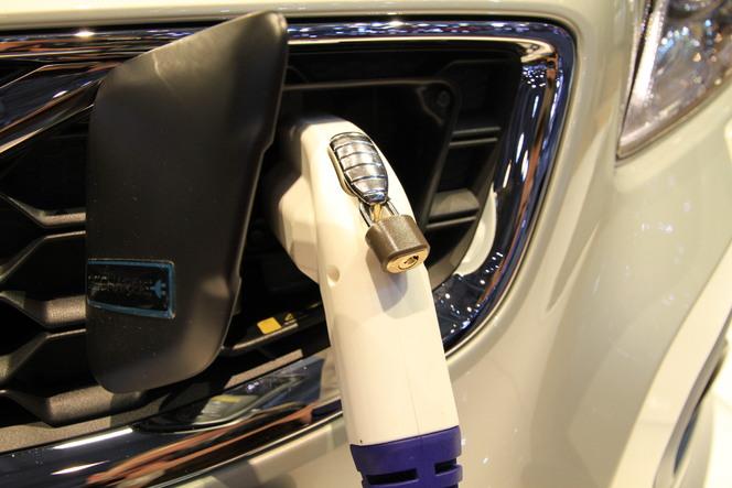 Volvo V60 Plug-in Hybrid en direct de Genève 2011