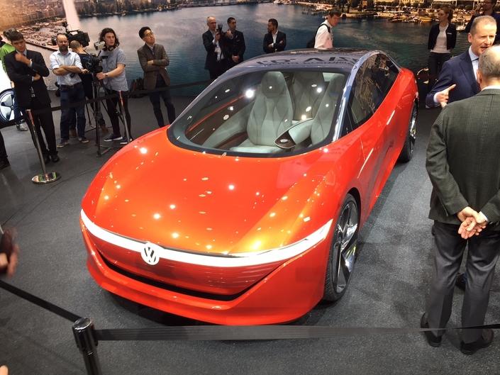 Le concept I.D. VIzzion annonce une future grande berline électrique chez Volkswagen.