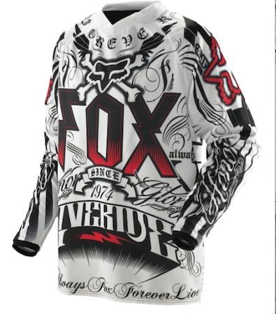 Fox, une nouvelle tenue TT au style gothique.