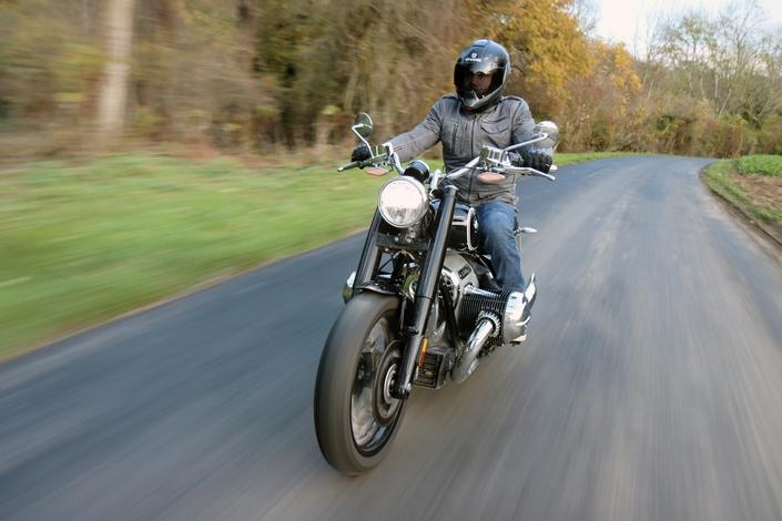 Comparatif – Harley Davidson Fat Boy VS BMW R18 : deux visions du cruising S1-comparatif-harley-davidson-fat-boy-vs-bmw-r18-deux-visions-du-cruising-653997