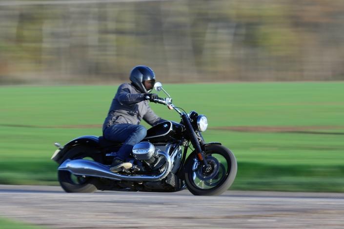 Comparatif – Harley Davidson Fat Boy VS BMW R18 : deux visions du cruising S1-comparatif-harley-davidson-fat-boy-vs-bmw-r18-deux-visions-du-cruising-654019