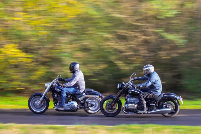 Comparatif – Harley Davidson Fat Boy VS BMW R18 : deux visions du cruising S1-comparatif-harley-davidson-fat-boy-vs-bmw-r18-deux-visions-du-cruising-654025