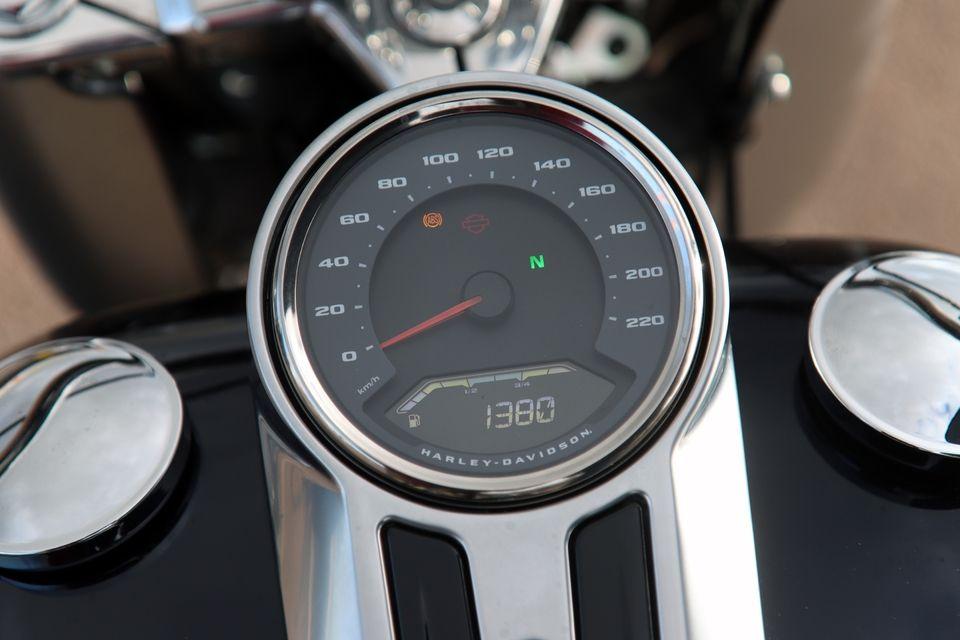 Comparatif – Harley Davidson Fat Boy VS BMW R18 : deux visions du cruising S8-comparatif-harley-davidson-fat-boy-vs-bmw-r18-deux-visions-du-cruising-654005