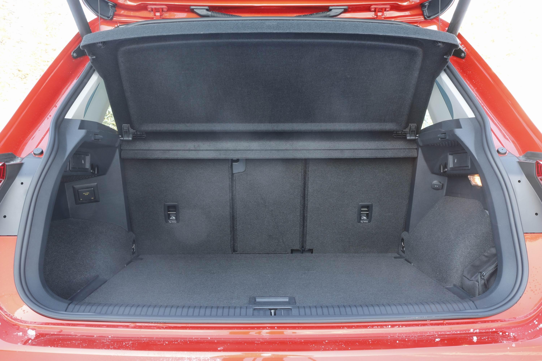 volume du coffre tiguan 28 images essai comparatif le peugeot 3008 d 233 fie le volkswagen. Black Bedroom Furniture Sets. Home Design Ideas