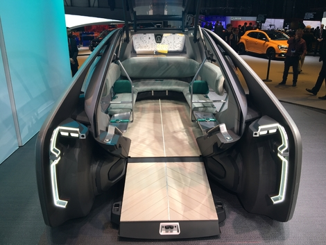 renault ez go concept le taxi du futur en direct du salon de gen ve 2018. Black Bedroom Furniture Sets. Home Design Ideas