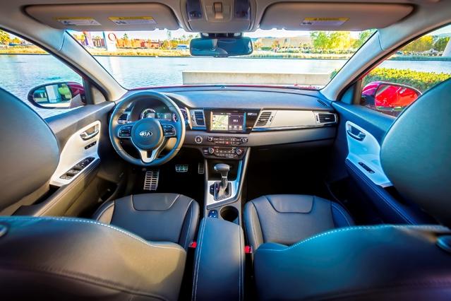 Chicago 2016 : Kia dévoile le crossover hybride Niro
