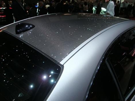 Le toit carbone sur la Giulia.