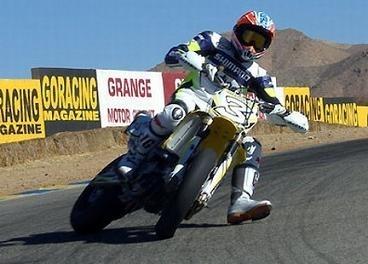 Superbike: Biaggi s'entraîne avec les Hayden