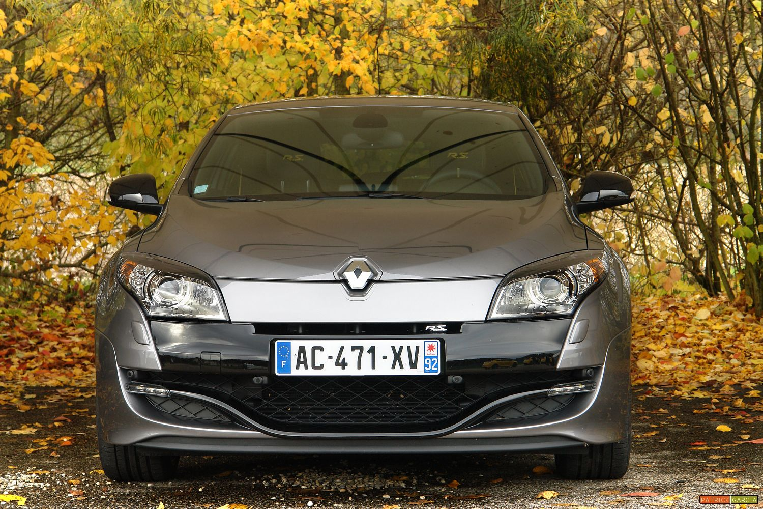 calandre megane 2 estate la nouvelle renault megane break. Black Bedroom Furniture Sets. Home Design Ideas