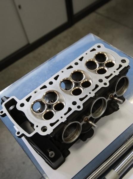 Et si c'était le bloc du futur 3 cylindres MV Agusta !?
