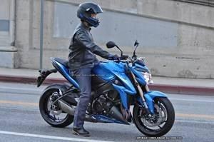 Nouveauté - Suzuki: la GSX-S1000 vous salue bien