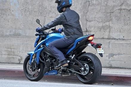 Nouveauté – Suzuki: un peu plus de GSX-S 1000