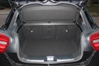 Le coffre affiche 341 litres, c'est bien peu pour la catégorie.