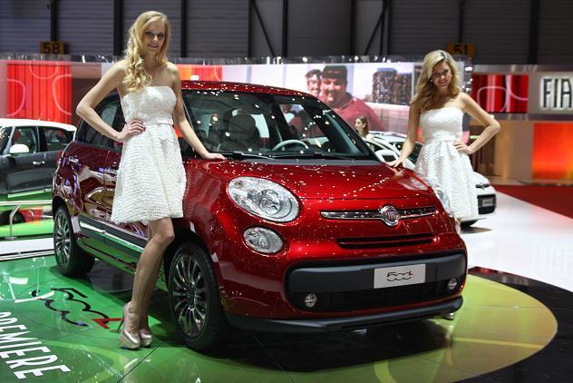 Vidéo en direct de Genève 2012 - Fiat 500 L, rien à voir
