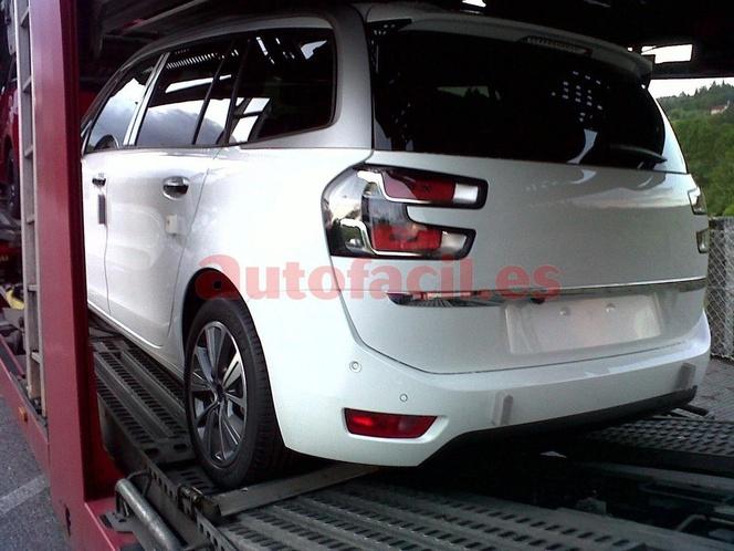 Surprise : le Citroën Grand C4 Picasso se découvre