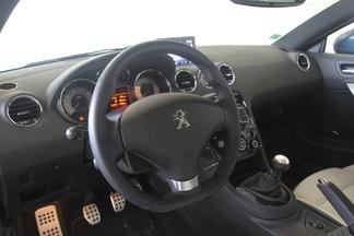 Comparatif vidéo - Toyota GT86 vs Peugeot RCZ THP 200 : la passion contre la raison