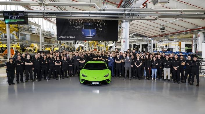 Lamborghini : 10000 Huracan vendues, la prochaine toujours en V10
