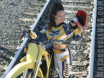 Moto & Sexy : sur les rails