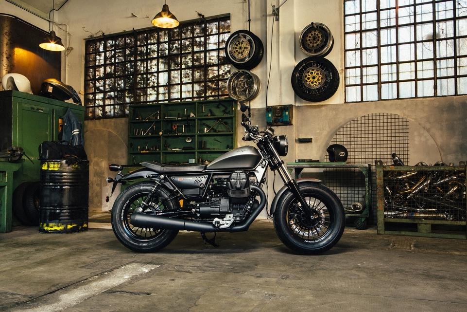 Essai Moto Guzzi V9 Bobber : Dark side of... Italy