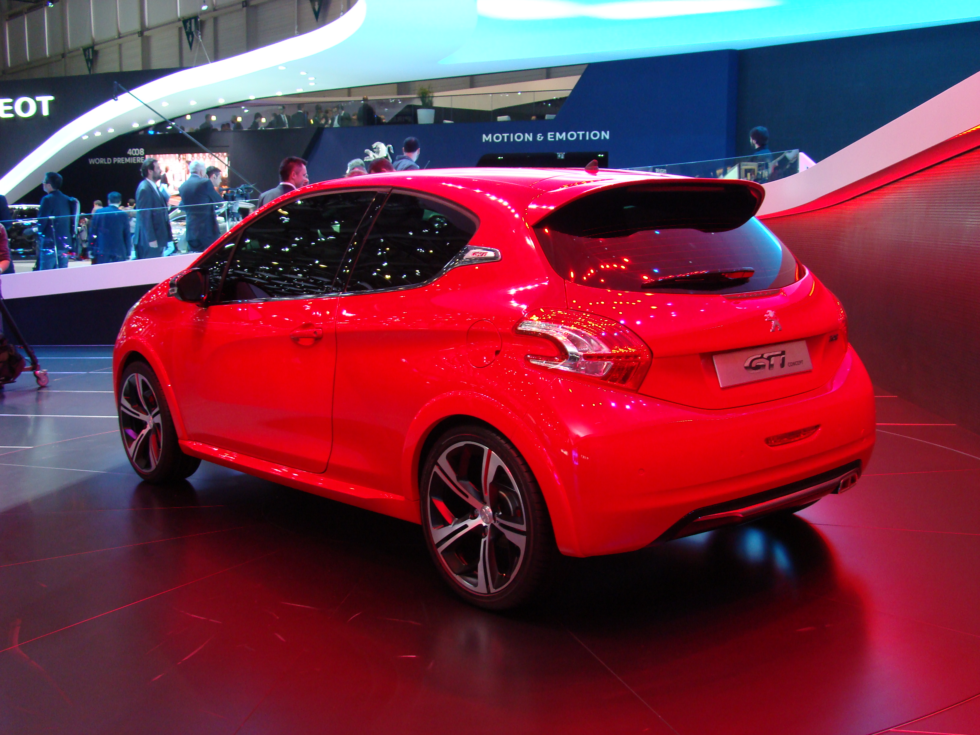 vid o en direct de gen ve 2012 peugeot 208 gti concept une renaissance. Black Bedroom Furniture Sets. Home Design Ideas