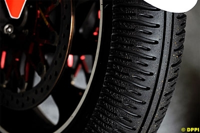 Moto GP - Manufacturier unique: Bridgestone verrouille jusqu'en 2011