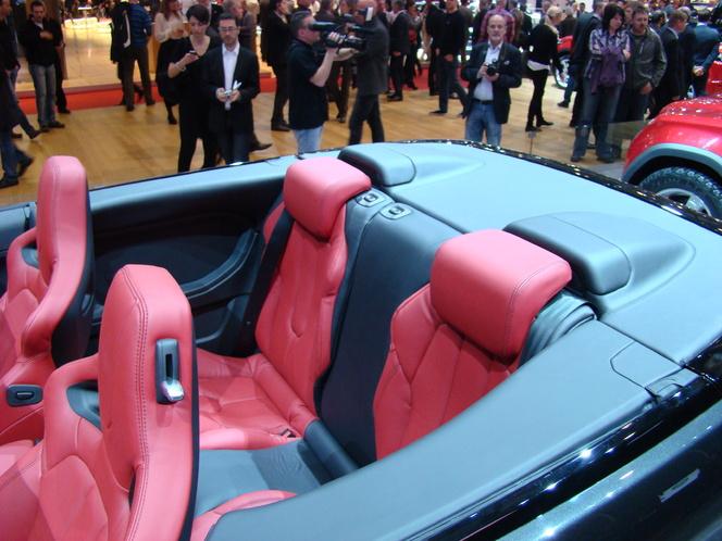 Vidéo en direct de Genève 2012 : Range Rover Evoque Convertible Concept, inutile donc indispensable