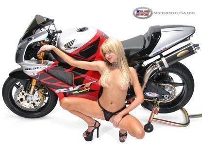 Moto & Sexy : heureusement il y a la moto